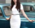 Quán quân Top Model hờ hững ngực trần