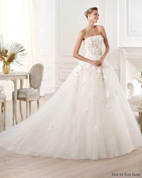 vay cuoi ren 7 Những mẫu váy cưới ren đẹp nhất 2013