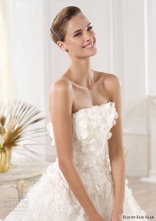 vay cuoi ren 8 Những mẫu váy cưới ren đẹp nhất 2013