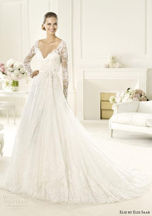 vay cuoi ren 9jpg Những mẫu váy cưới ren đẹp nhất 2013