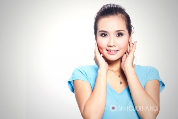 tho trang diem co dau 3 620x413 Thợ trang điểm cô dâu đẹp ở Hà Nội