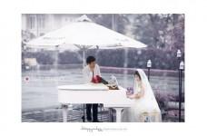 Chụp ảnh cưới ngoài trời lãng mạn