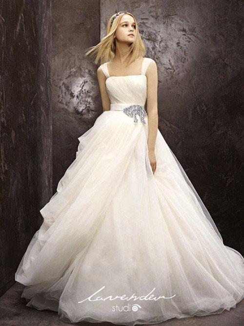 cac dang vay cuoi don gian cho co dau 01 Các dáng váy cưới đơn giản cho cô dâu