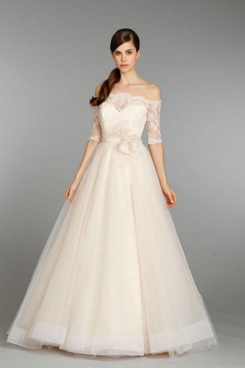 cho thue vay cuoi o tphcm dep Cho thuê váy cưới ở TPHCM cho cô dâu có dáng nhỏ