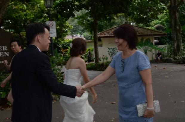 chup hinh phong su ngay cuoi 620x410 Xem xong bộ ảnh mới biết chụp hình phóng sự cưới không hề dễ!