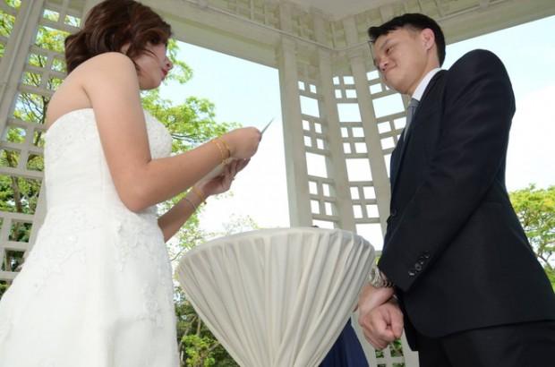 chup phong su dam cuoi 620x410 Xem xong bộ ảnh mới biết chụp hình phóng sự cưới không hề dễ!