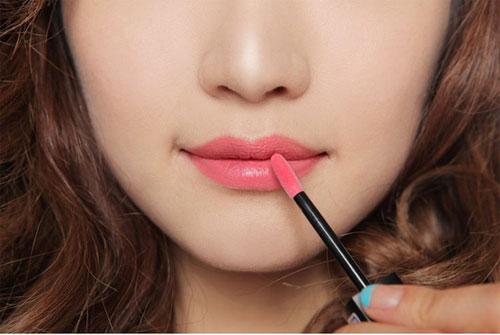 dich vu trang diem ca nhan tai nha Trang điểm cá nhân đẹp nhờ vào chọn son môi chuẩn!