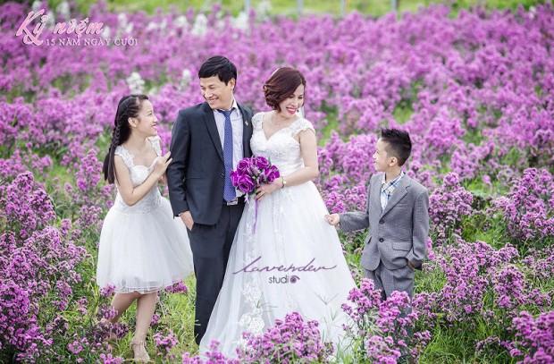 dich vu chup hinh gia dinh ky niem ngay cuoi o tphcm 620x407 Chụp kỷ niệm ngày cưới   tìm hiểu các tên gọi kỷ niệm ngày cưới