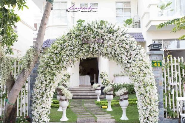 trang tri tiec cuoi tai nha 620x413 Trang trí tiệc cưới tại nhà cho các cặp cô dâu chú rể ở TPHCM
