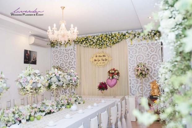 trang tri tiec cuoi tai nha o tphcm 620x413 Trang trí tiệc cưới tại nhà cho các cặp cô dâu chú rể ở TPHCM