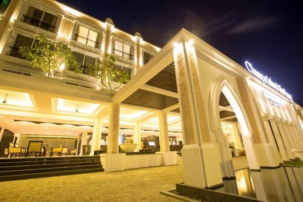 chup anh cuoi resort champa island 620x413 Những resort chụp hình cưới đẹp như mơ tại Nha Trang
