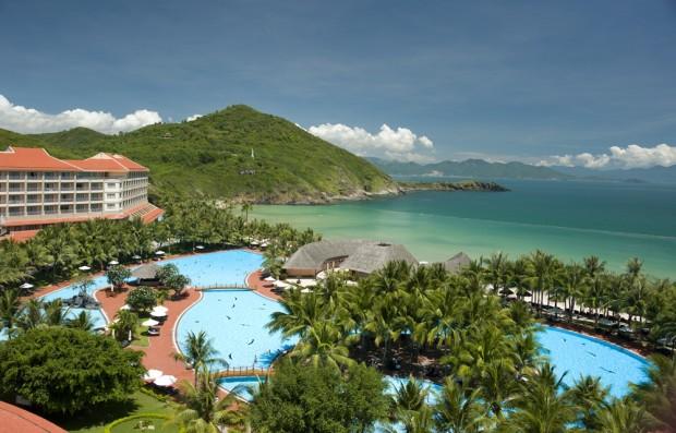 chup hinh cuoi resort vinpearl land 620x397 Những resort chụp hình cưới đẹp như mơ tại Nha Trang