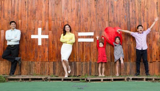 dia chi chup anh gia dinh tai tphcm uy tin 620x352 Cách để chọn được một studio chụp ảnh gia đình đẹp?