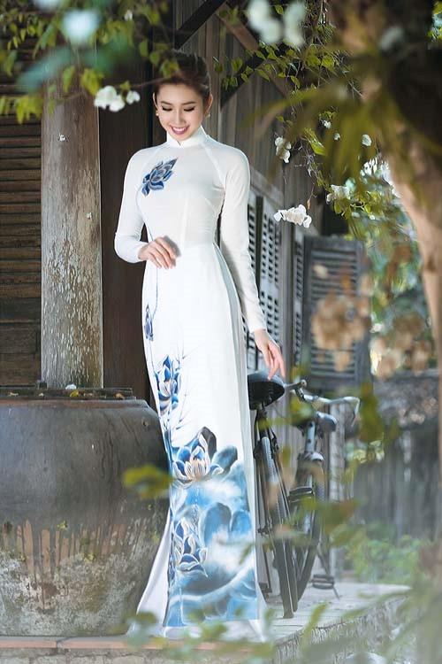 ao dai dep Mang nét tinh tế vào trang trí tiệc cưới với màu xanh gốm sứ