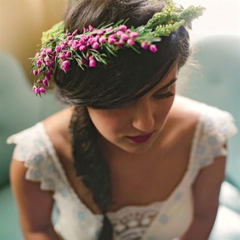 cac kieu trang diem co dau dep Cùng điểm danh 4 kiểu tóc cưới chưa bao giờ hạ nhiệt.