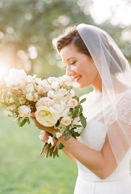 make up co dau dep Cùng điểm danh 4 kiểu tóc cưới chưa bao giờ hạ nhiệt.