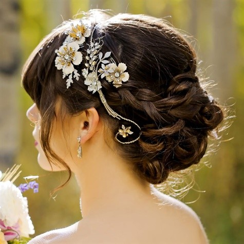 make up dep Cùng điểm danh 4 kiểu tóc cưới chưa bao giờ hạ nhiệt.