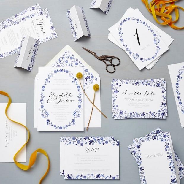 thiep cuoi mau xanh 620x620 Mang nét tinh tế vào trang trí tiệc cưới với màu xanh gốm sứ