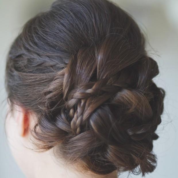 trang diem co dau 620x620 Cùng điểm danh 4 kiểu tóc cưới chưa bao giờ hạ nhiệt.