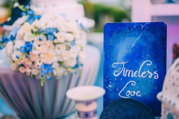 trang tri tiec cuoi dep2 620x413 Mang nét tinh tế vào trang trí tiệc cưới với màu xanh gốm sứ