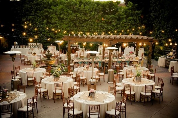 trang tri tiec cuoi rustic 620x412 Những điều cần biết về phong cách tiệc cưới rustic.