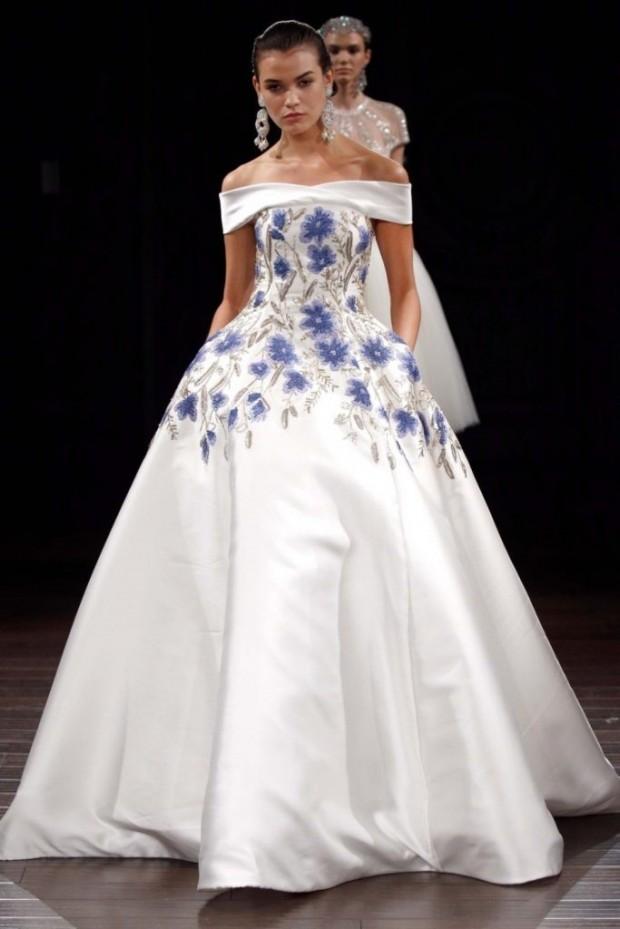 vay cuoi dep1 620x929 Mang nét tinh tế vào trang trí tiệc cưới với màu xanh gốm sứ