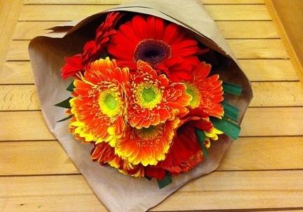 hoa tuoi tang dong nghiep 1 Dịch vụ đặt hoa tươi online Lavender Flowers