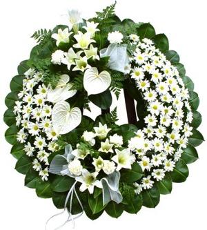 hoa chia buon 1 Cách chọn hoa chia buồn