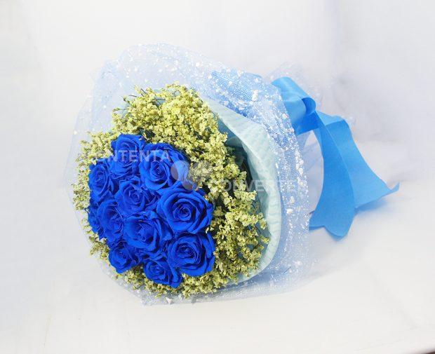 co nen chon hoa tang ban gai 6 620x505 Có nên tặng bạn gái mới quen hoa hồng xanh?