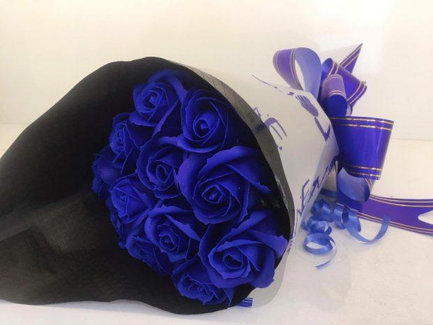 co nen tang hoa cho ban gai 2 620x465 Có nên tặng bạn gái mới quen hoa hồng xanh?