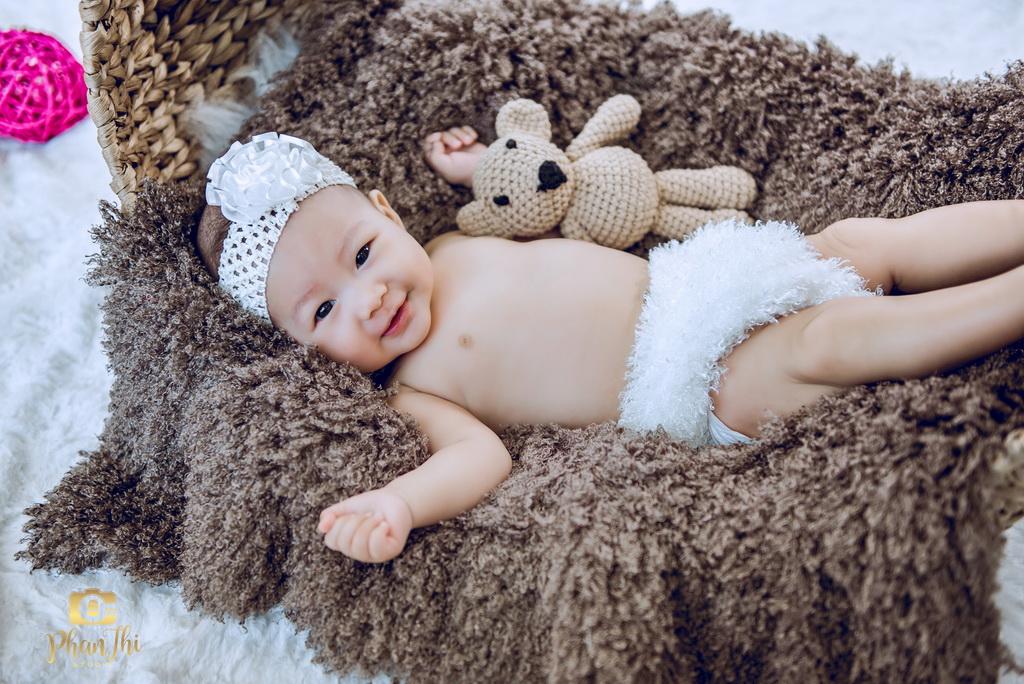 Chụp hình baby tròn 6 tháng tuổi