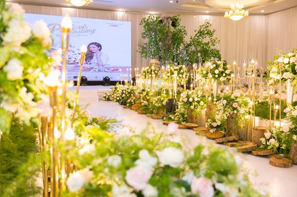 hanh aopoundnh ca liaan quan Trang trí tiệc cưới với màu xanh lá cây chủ đạo
