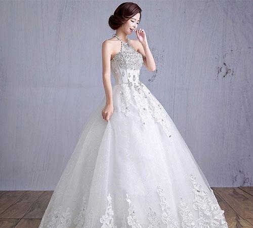 mau vay cuoi dep 2019 1 Những mẫu váy cưới đẹp 2019 cho cô dâu gầy