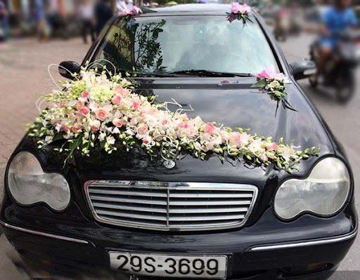 xe cuoi 2 Những kiểu đính hoa xe cưới ấn tượng